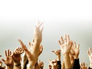 hands-worshiping2