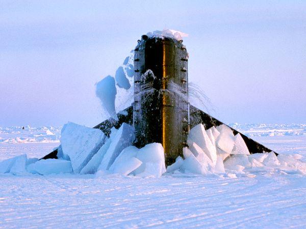 jay-dickman-submarine_3992_600x450